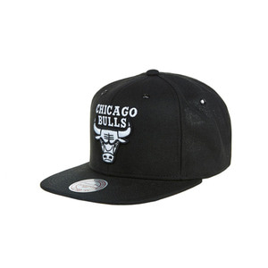 미첼엔네스 시카고 불스 스냅백, MitchellandNess CHICAGO BULLS SNAPBACK - BLACK/WHITE