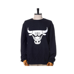 미첼엔네스 NBA 시카고불스 검흰 맨투맨, MitchellandNess CHICAGO BULLS BLACK/WHITE LOGO CREW SWEATSHIRTS - BLACK